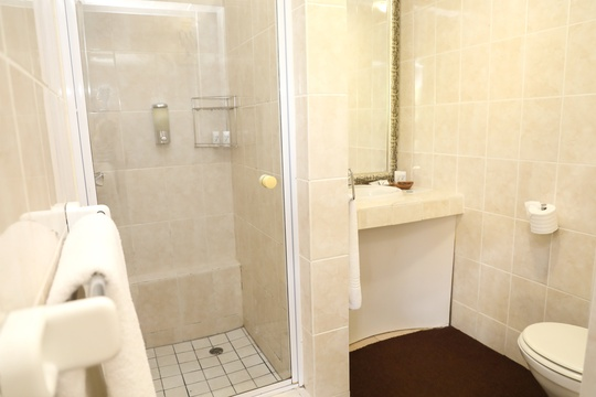 Suite #2 - bathroom
