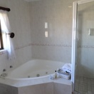 Honeymoon Suite Bath and Shower, Kingston Place Guesthouse